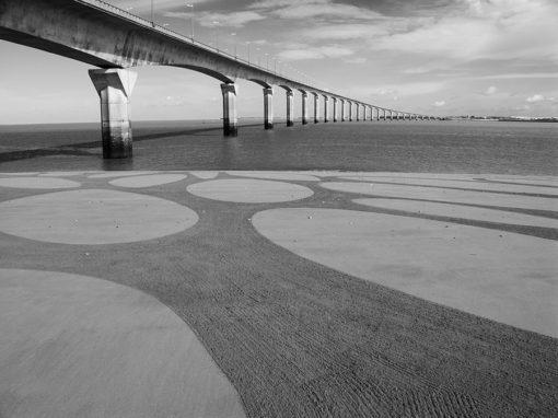 al rochelle, ile de Ré, pont, bridge, beach art, dougados