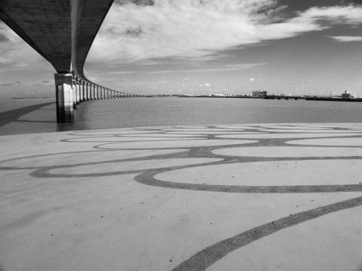 la rochelle, ile de ré, dougados, beach art, sand drawing, photographie, pont, bridge