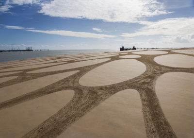 la rochelle, ile de ré, dougados, beach art, sand drawing, pont, bridge, photography
