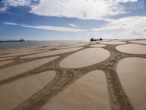 la rochelle, ile de ré, dougados, beach art, sand drawing, pont, bridge, photography