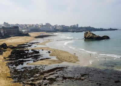biaritz, beach art, miramar, rond, roche percée, sand drawing, ocean
