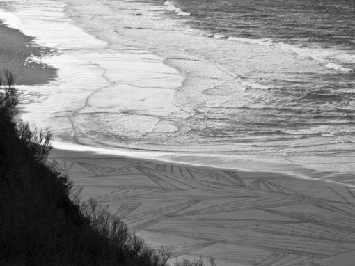 beach art, biarritz, cotes des basque, dougados, hachures, rayures, ocean