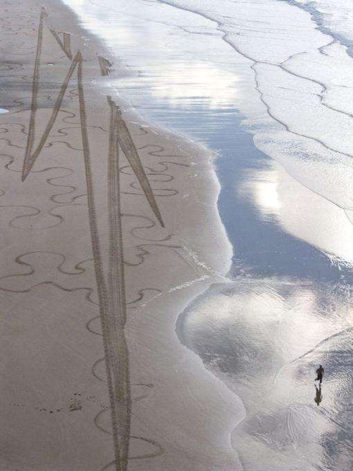 éclair, lightning, biarritz, runner, running, beach, beach art, dougados, photography, fine art