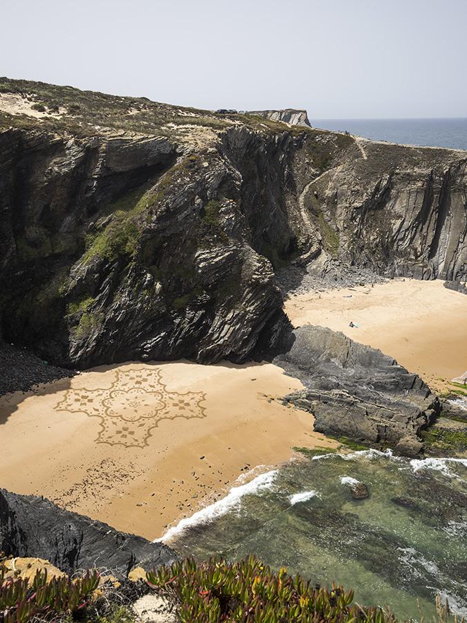 Cavaleiro, azulejos, dougados, beach art, portugal