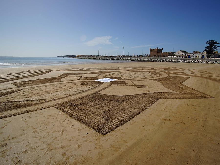 Essaouira, calligraphie, beach art, dougados