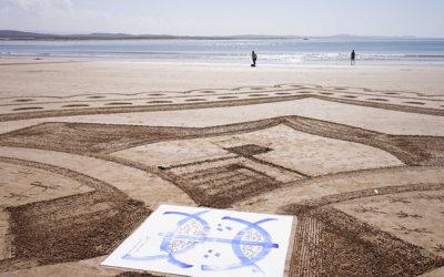 Vidéo: Calligraphie et beach art